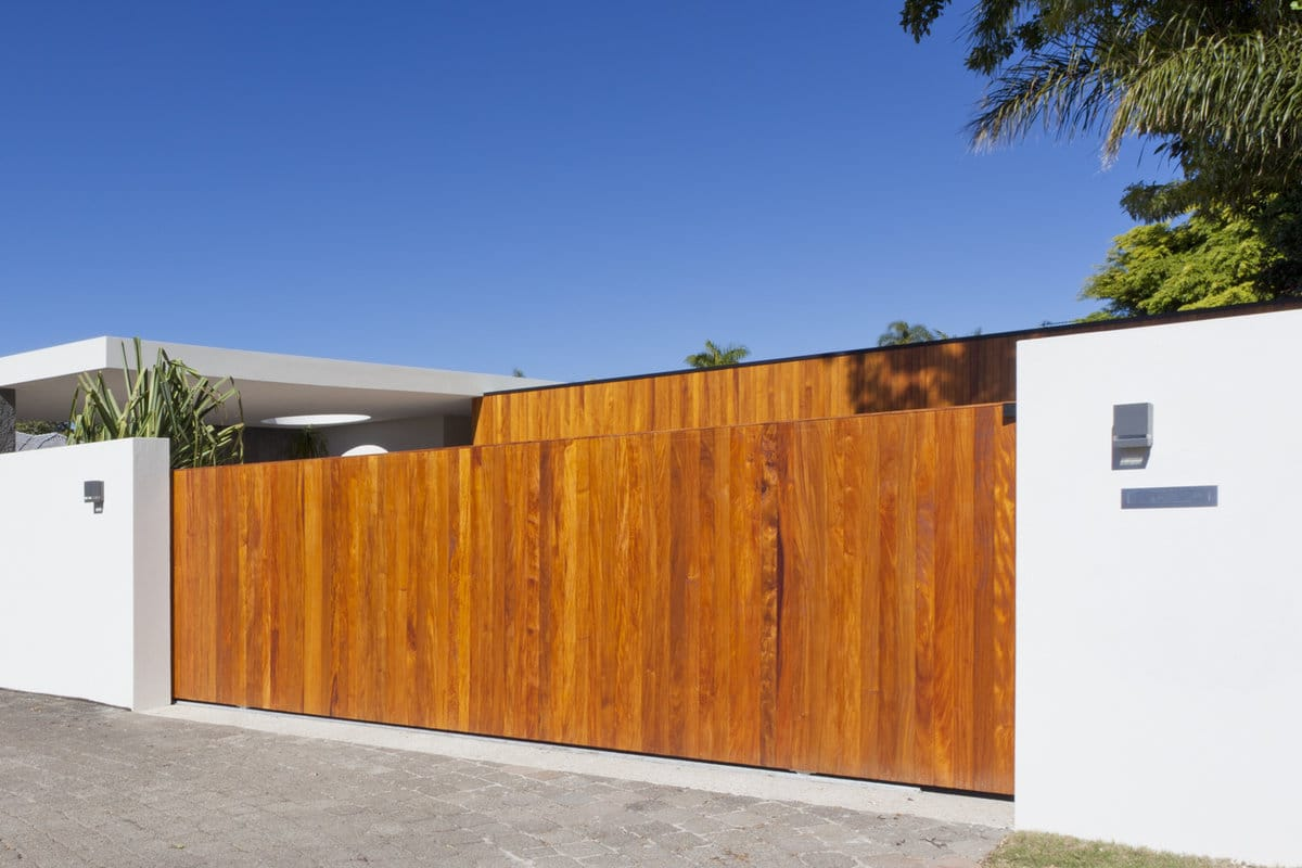 moderne schuifpoort hout