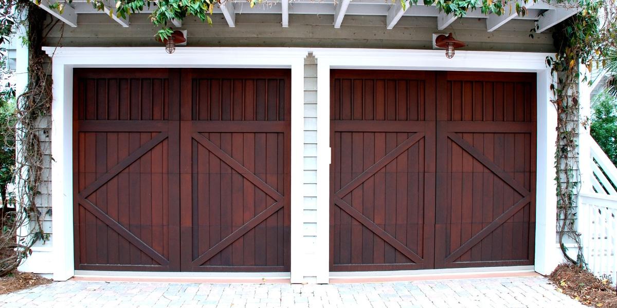 Landelijke garagedeur sectionale deur