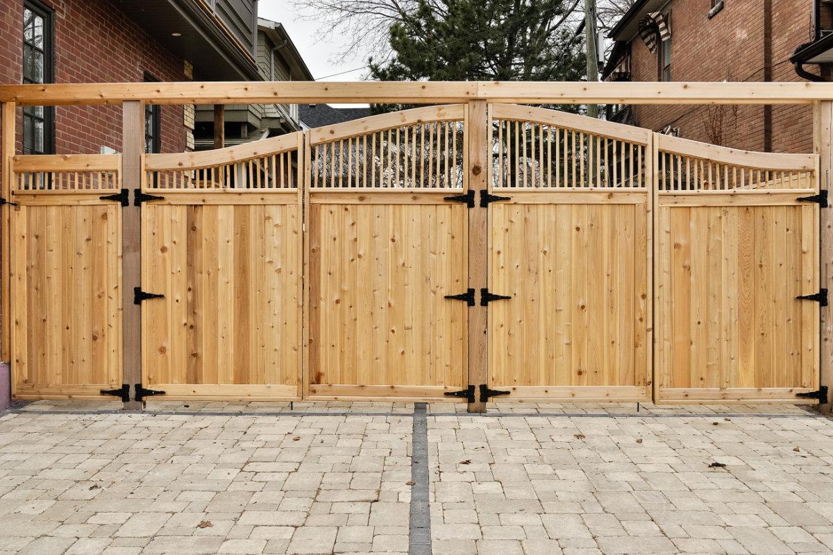 landelijke poorten licht hout