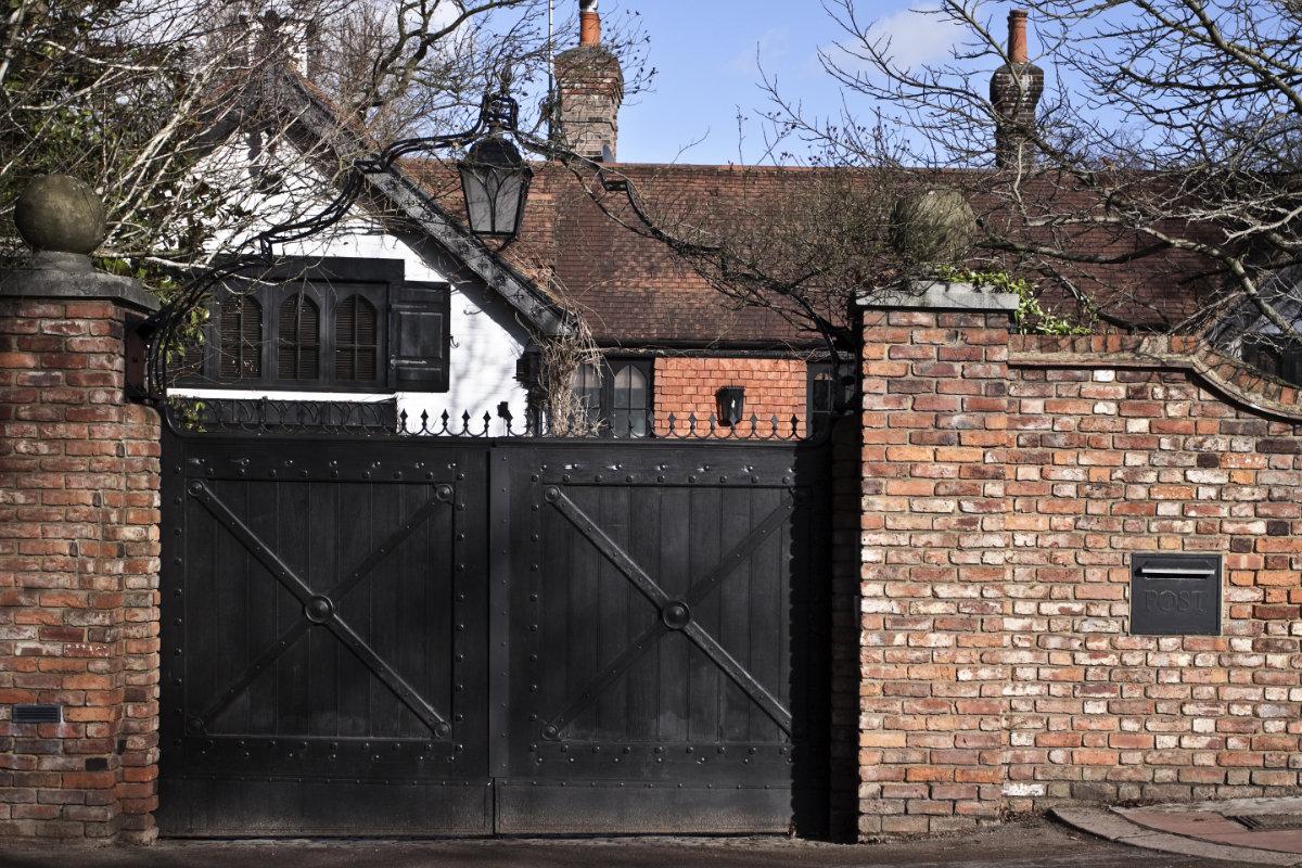 landelijke poorten zwart