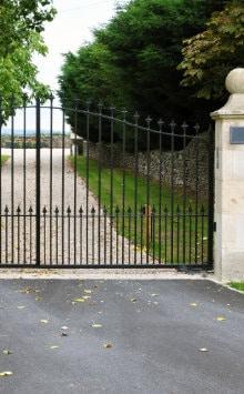 smeedijzeren oprit poorten