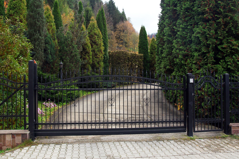stalen hekwerk poort